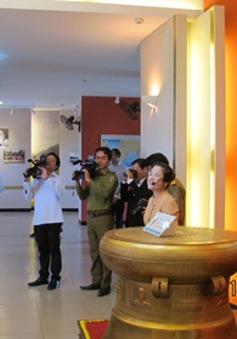 Thủ tướng thăm khu lưu niệm Chủ tịch Hồ Chí Minh tại Lào