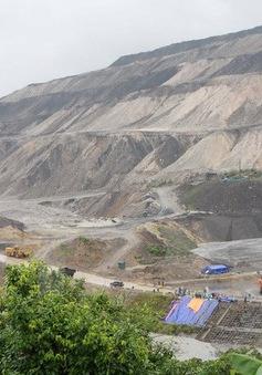 Mưa lũ khiến 30.000 thợ mỏ Quảng Ninh phải tạm nghỉ việc