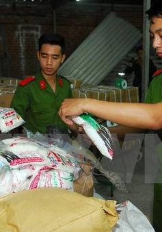 TP.HCM bắt giữ 5 tấn đường hóa học sản xuất trái phép
