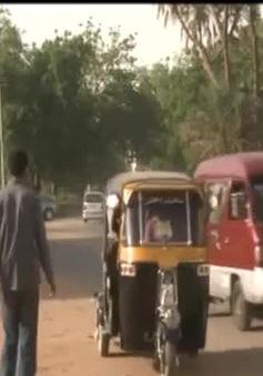 Độc đáo nghề trang trí xe tuk-tuk ở Sudan