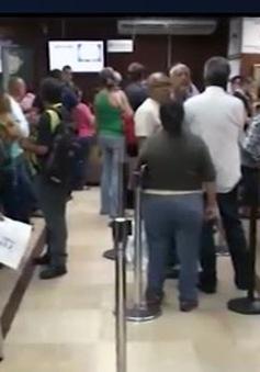 Venezuela: Người dân lần đầu tiên được đổi ngoại tệ trực tiếp