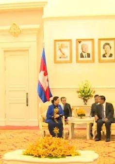 Đồng chí Hà Thị Khiết hội kiến với các lãnh đạo Campuchia