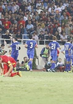 Việt Nam 0-3 Thái Lan: 'Tan nát' Mỹ Đình