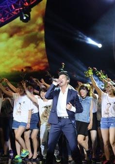 Trọng Hiếu bùng nổ cùng dàn fan, Hòa Minzy - Mr.T quậy hết cỡ