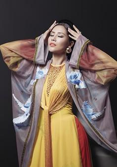 Ngây ngất với vẻ đẹp của Nguyễn Thị Loan trong tà áo tứ thân