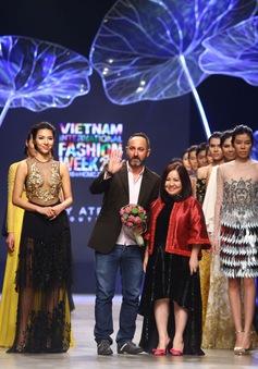 Lộng lẫy phong cách Trung Đông trên sàn catwalk Tuần lễ thời trang quốc tế Việt Nam