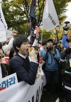 Hàn Quốc: Biểu tình yêu cầu Tổng thống từ chức