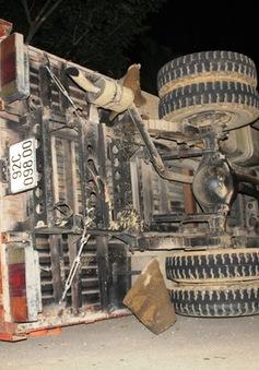 Quảng Nam: Xe chở gỗ mất phanh, một người tử vong