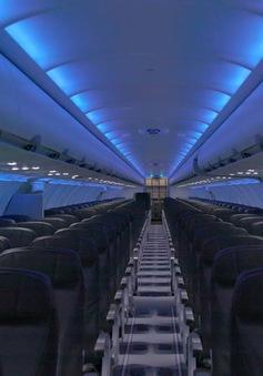 """Tại sao máy bay khi hạ cánh phải luôn để tình trạng """"đèn mờ""""?"""