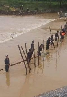 Hòa Bình: Rủ nhau tắm sông, 2 thanh niên bị lũ cuốn trôi