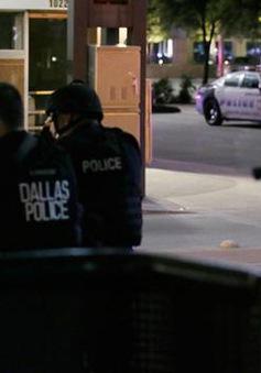 Hỗn loạn hiện trường vụ nổ súng làm 5 cảnh sát thiệt mạng ở Dallas