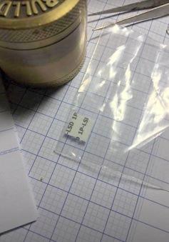 Những biểu hiện của người dùng ma túy tem giấy