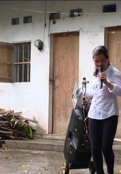 Cô gái mù vượt lên số phận bằng đam mê ca hát
