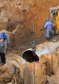 Khắc phục xong sự cố rò rỉ đường ống nước sông Đà
