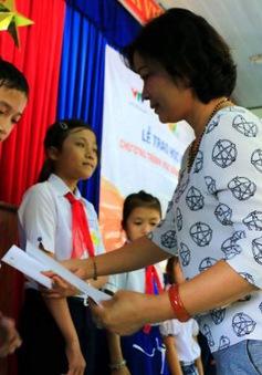 """""""Niềm Tin Việt"""" - Nuôi dưỡng ước mơ đến trường của học sinh nghèo hiếu học"""