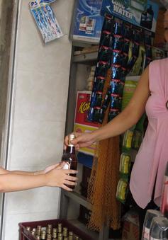 Rượu bia: Trẻ nhỏ cũng có thể mua!