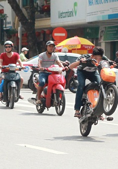 Hơn 100 lỗi vi phạm giao thông bị tăng mức phạt từ 1/8