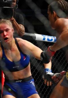 Ronda Rousey bị hạ knock-out chỉ sau ... 48 giây