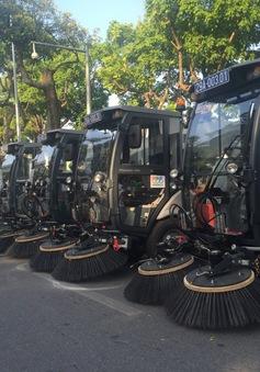 Hà Nội sử dụng hàng loạt phương tiện chuyên dụng để vệ sinh môi trường