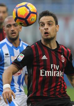 """VIDEO AC Milan 1-0 Pescara: """"Thổi lửa"""" vào lưng Roma, Juve"""