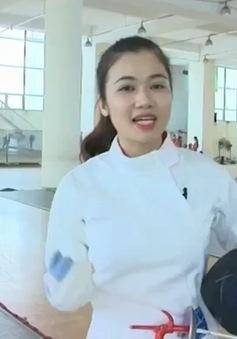 BTV Thanh Huyền trổ tài đấu kiếm không kém cạnh VĐV chuyên nghiệp
