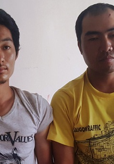 Thiếu tiền, 2 người Trung Quốc dùng súng giả cướp ô tô