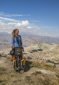 Thiếu nữ xinh đẹp phượt xuyên Nam Mỹ với không một xu dính túi