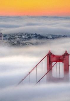 Mỹ xây dựng rào chắn trên cầu Cổng Vàng