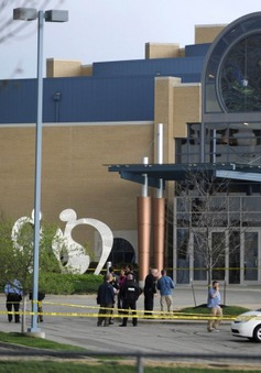 Xả súng điên cuồng tại Kansas (Mỹ), hàng chục người thương vong