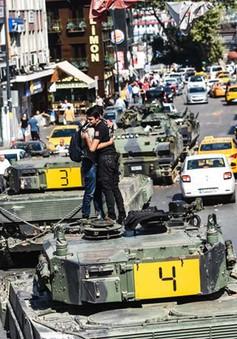 Thổ Nhĩ Kỳ truy quét đối tượng liên quan đến đảo chính