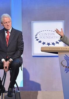 Ông Trump dọa đưa vụ bê bối tình cảm của chồng bà Hillary ra cuộc tranh luận