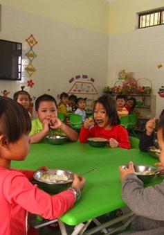 Bình Định: Thực hiện bán trú cho trẻ mầm non xã bãi ngang