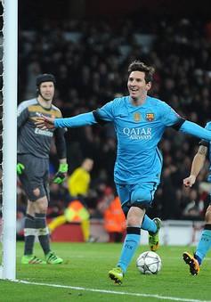 """Lấm lưng trước Barcelona, Arsenal sắp """"ngẩng cao đầu rời giải"""""""