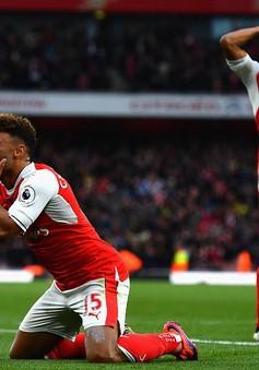 VIDEO, Arsenal 0-0 Middlesbrough: Wenger đón sinh nhật kém vui, Pháo thủ vẫn lên ngôi đầu