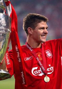 """Gerrard và những bức ảnh để đời trong sự nghiệp """"quần đùi áo số"""""""