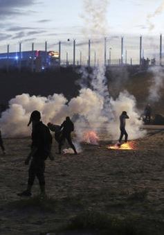 Xung đột trước giờ dỡ bỏ trại tị nạn Calais (Pháp)