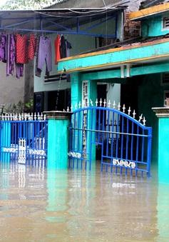 Hơn 1.000 nhà dân ở Quảng Nam vẫn bị ngập trong nước lũ