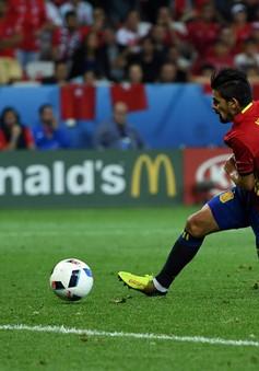 VIDEO EURO 2016: Fabregas kiến tạo, Nolito sút tung lưới Thổ Nhĩ Kỳ