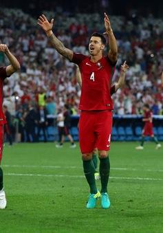 Ronaldo vô duyên, Bồ Đào Nha vẫn vào bán kết sau loạt penalty cân não!