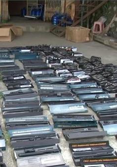Lạng Sơn: Thu giữ gần 300 dùi cui điện từ Trung Quốc