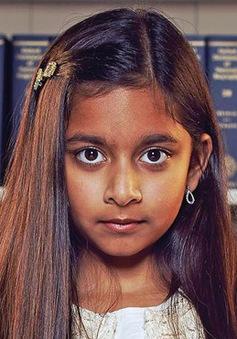 Thần đồng 10 tuổi giành quán quân gameshow trí tuệ của Anh