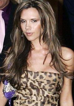 """Những """"thảm họa thời trang"""" trong quá khứ của Victoria Beckham"""