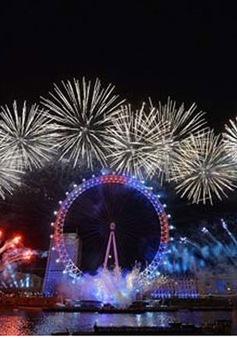 Nước Anh đón năm mới với màn pháo hoa rực rỡ