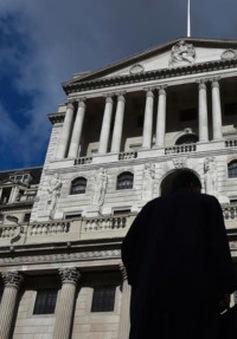 Người được kẻ mất sau quyết định cắt giảm lãi suất của BoE