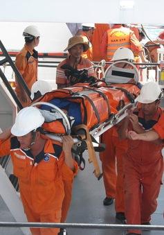 Quảng Ngãi tăng cường tìm kiếm nạn nhân vụ tàu cá bị nạn