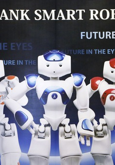 SoftBank tiên phong đưa robot NAO vào giảng dạy tiếng Anh tại Việt Nam