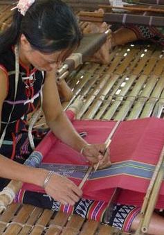 Quảng Nam: 6.500 sản phẩm dệt thổ cẩm ở Zara được tiêu thụ