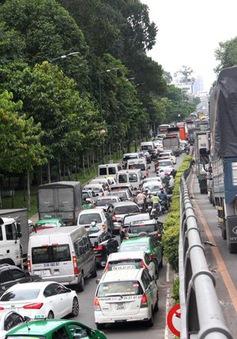Hạn chế lưu thông qua khu vực sân bay Tân Sơn Nhất