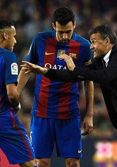 Barcelona khởi đầu tệ nhất từ thời Rijkaard