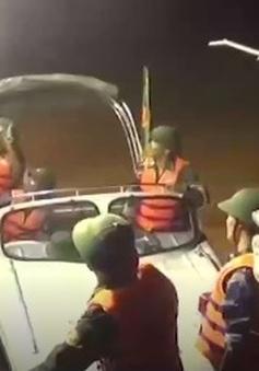 Bộ đội Biên phòng Quảng Bình cứu hộ người dân vùng rốn lũ